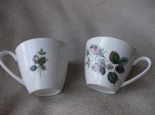 2 X VINTAGE J&G MEAKIN NIGHT CLUB TEA CUPS ROSEBUD DESIGN GLAZED FINISH